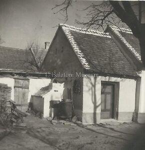 Kemence az udvaron (Sármellék, 1950.)